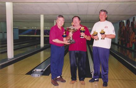 http://www.bowlingverenigingheiloo.nl/fotos_verhalen/foto's/1998_0000-SupFin-Hcp1-GoudgelePatat.jpg
