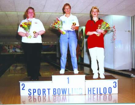 http://www.bowlingverenigingheiloo.nl/fotos_verhalen/foto's/2000_0000-Ver.kamp-Dames-ABCD.jpg