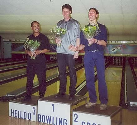http://www.bowlingverenigingheiloo.nl/fotos_verhalen/foto's/2001_0000-Ver.kamp-Heren-AB.jpg