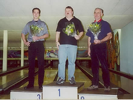 http://www.bowlingverenigingheiloo.nl/fotos_verhalen/foto's/2001_0000-Ver.kamp-Heren-CD.jpg
