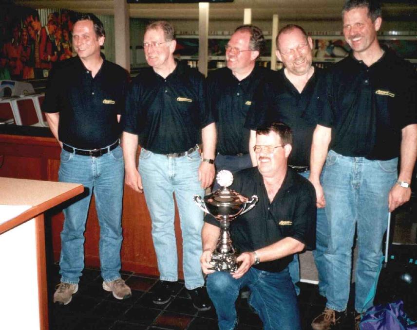 http://www.bowlingverenigingheiloo.nl/fotos_verhalen/foto's/2002_0000-SupFin-Handicap.jpg