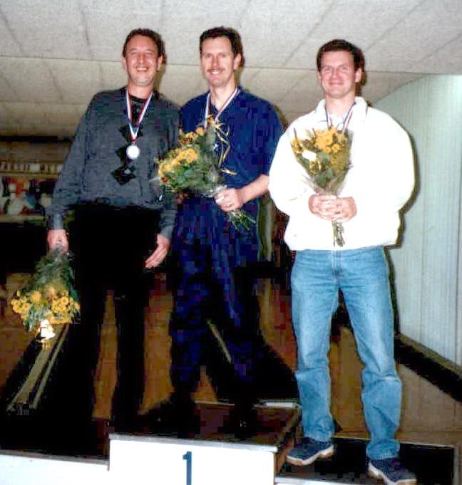 http://www.bowlingverenigingheiloo.nl/fotos_verhalen/foto's/2002_0000-Ver.kamp-Heren-AB.jpg