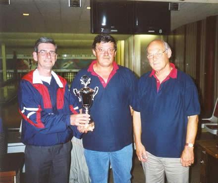 http://www.bowlingverenigingheiloo.nl/fotos_verhalen/foto's/2003_0000-SupFin-Handicap.jpg