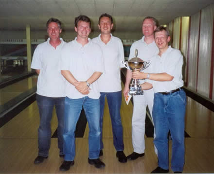 http://www.bowlingverenigingheiloo.nl/fotos_verhalen/foto's/2003_0000-SupFin-Scratch.jpg