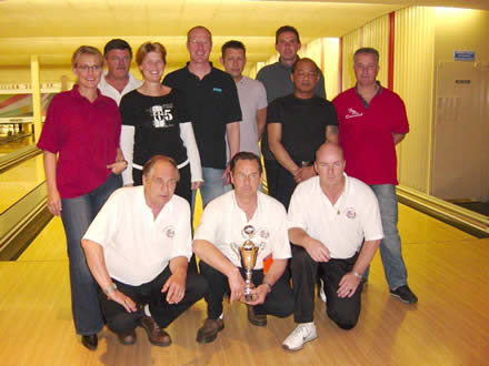 http://www.bowlingverenigingheiloo.nl/fotos_verhalen/foto's/2004_0000-SupFin-Handicap.jpg