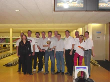 http://www.bowlingverenigingheiloo.nl/fotos_verhalen/foto's/2004_0000-SupFin-Scratch.jpg