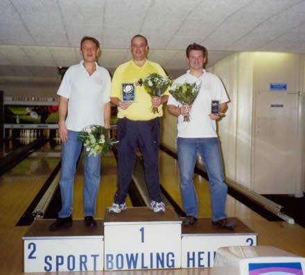 http://www.bowlingverenigingheiloo.nl/fotos_verhalen/foto's/2005_0000-Ver.kamp-Heren-AB.jpg