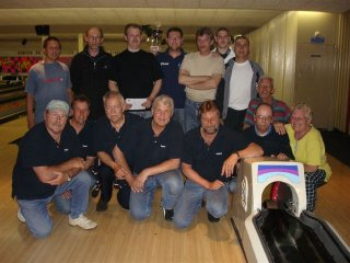 http://www.bowlingverenigingheiloo.nl/fotos_verhalen/foto's/2006_0000-SupFin-Hcp5.jpg