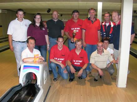 http://www.bowlingverenigingheiloo.nl/fotos_verhalen/foto's/2007_0000-SupFin-Hcp3.jpg