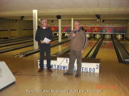 http://www.bowlingverenigingheiloo.nl/fotos_verhalen/foto's/2007_1224-Kerst-JanBoerlage.jpg