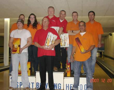 http://www.bowlingverenigingheiloo.nl/fotos_verhalen/foto's/2007_1224-Kerst-Teams.jpg