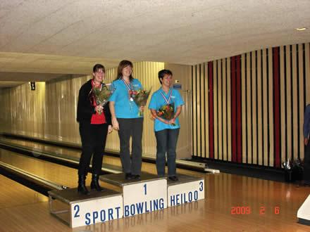 http://www.bowlingverenigingheiloo.nl/fotos_verhalen/foto's/2009_0205-Ver.kamp-Dames-AB.jpg