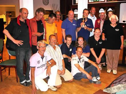 http://www.bowlingverenigingheiloo.nl/fotos_verhalen/foto's/2009_0604-SupFin-Hcp5.jpg