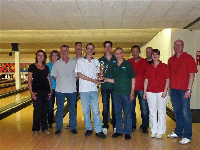 http://www.bowlingverenigingheiloo.nl/fotos_verhalen/foto's/2010_0519-SupFin-Scratch.jpg