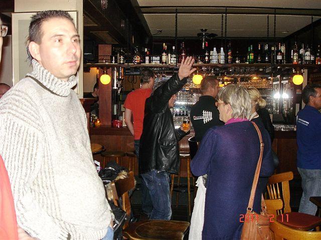 http://www.bowlingverenigingheiloo.nl/fotos_verhalen/foto's/2011_0208-Ver.kamp-Publieke-belangstelling.jpg