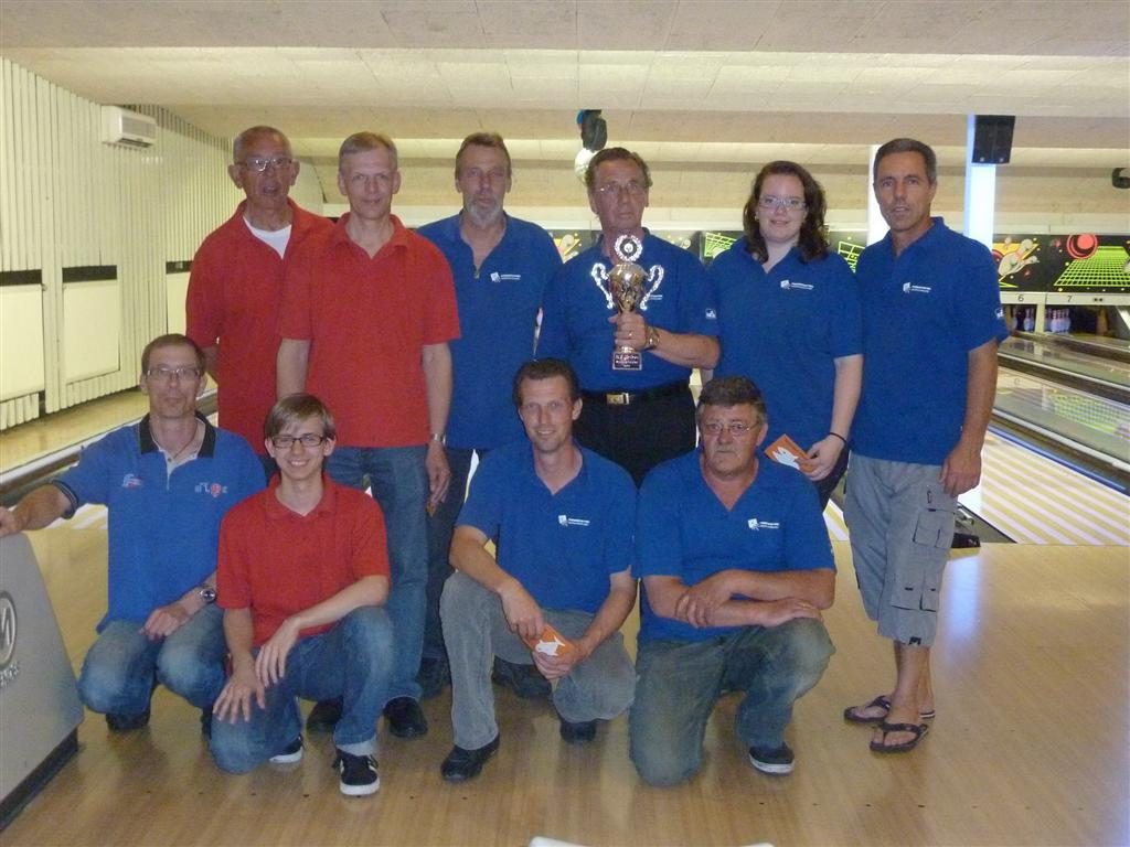 http://www.bowlingverenigingheiloo.nl/fotos_verhalen/foto's/2011_0510-SupFin-Hcp3.jpg