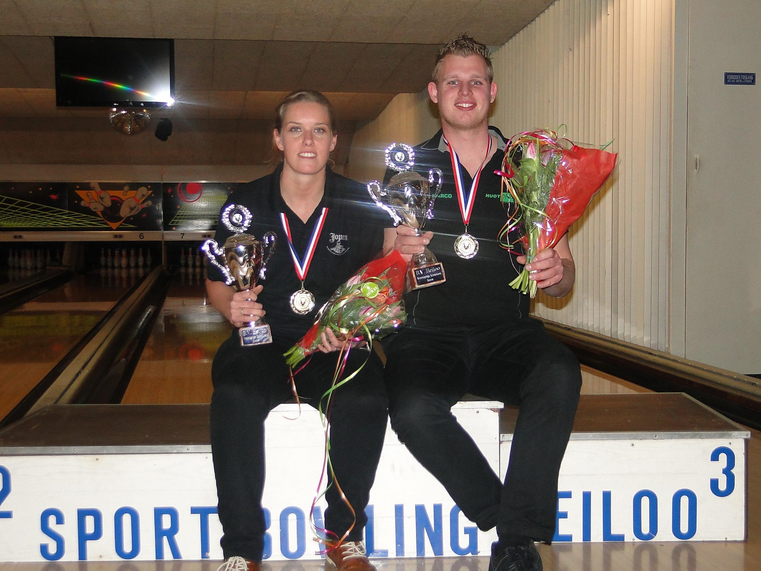 http://www.bowlingverenigingheiloo.nl/fotos_verhalen/foto's/2013_0214-Ver.kampioenen-2013.jpg