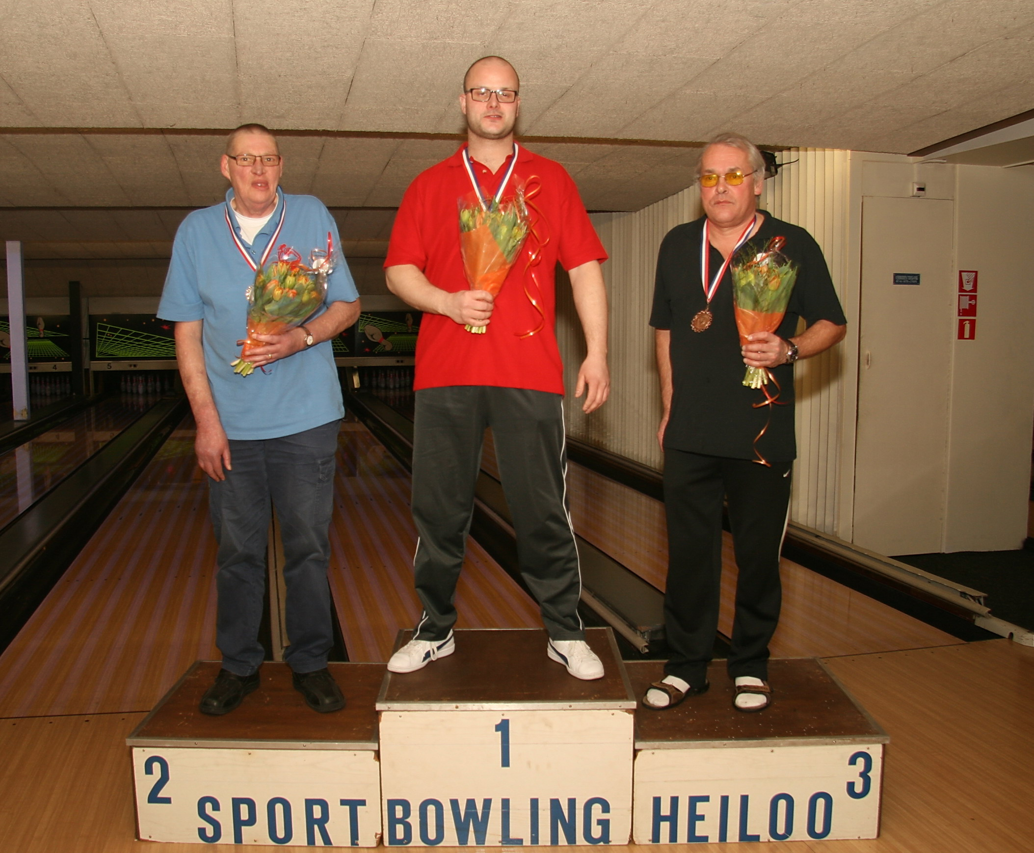 http://www.bowlingverenigingheiloo.nl/fotos_verhalen/foto's/2013_0214-Ver.kamp-Heren-CD.jpg