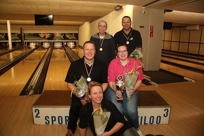 http://www.bowlingverenigingheiloo.nl/fotos_verhalen/foto's/2015_0212-Ver.kamp-Kampioen-alle klasse.jpg