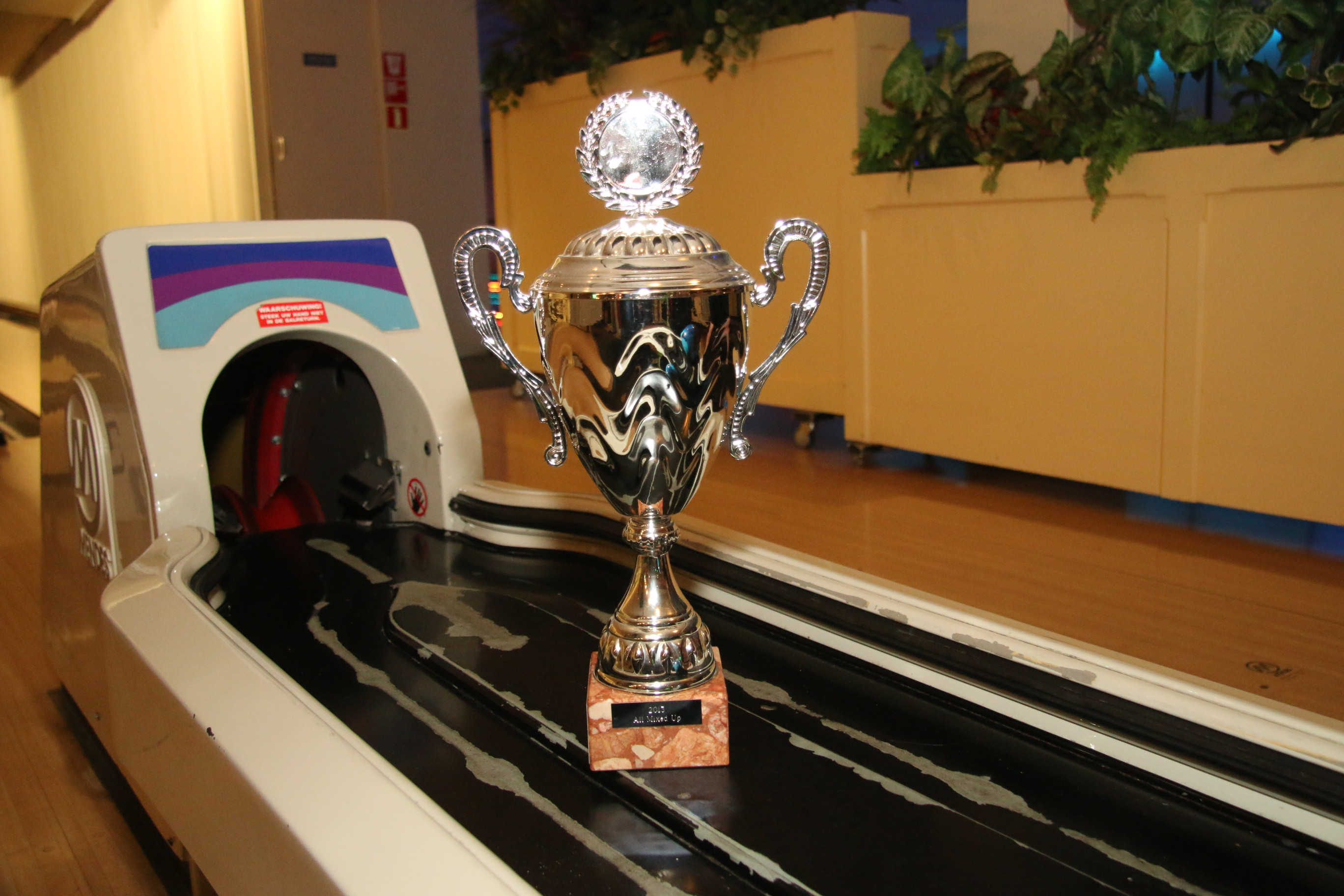 http://www.bowlingverenigingheiloo.nl/fotos_verhalen/foto's/2016_0526-De Wisselbeker.jpg