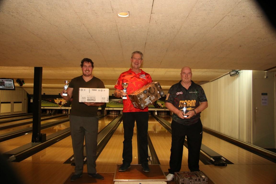 http://www.bowlingverenigingheiloo.nl/fotos_verhalen/foto's/2017_1221-Kerst-Heren-A.jpg