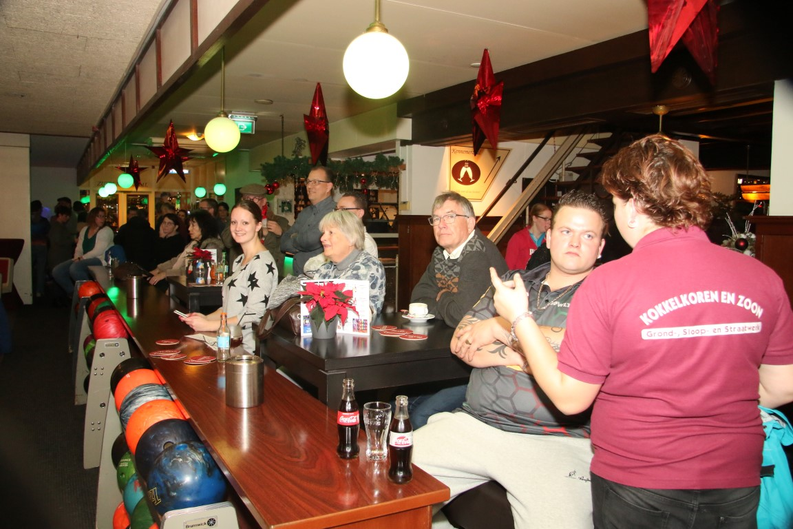 http://www.bowlingverenigingheiloo.nl/fotos_verhalen/foto's/2017_1221-Kerst-Publiek-2017-1.jpg