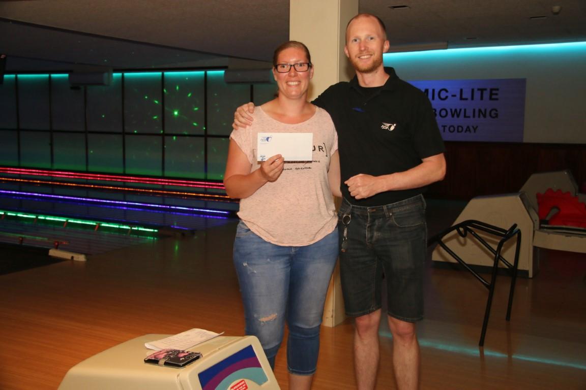 http://www.bowlingverenigingheiloo.nl/fotos_verhalen/foto's/2018_0531-Huisleaguestijgprijs2017-2018-Monique Renooy .jpg
