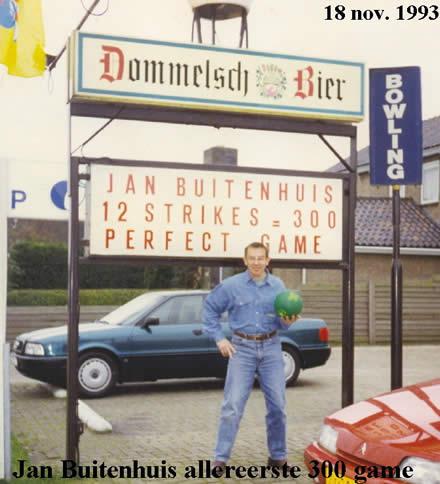 http://www.bowlingverenigingheiloo.nl/wall_of_fame/foto's/1993_1118-300Game-JanBuitenhuis.jpg