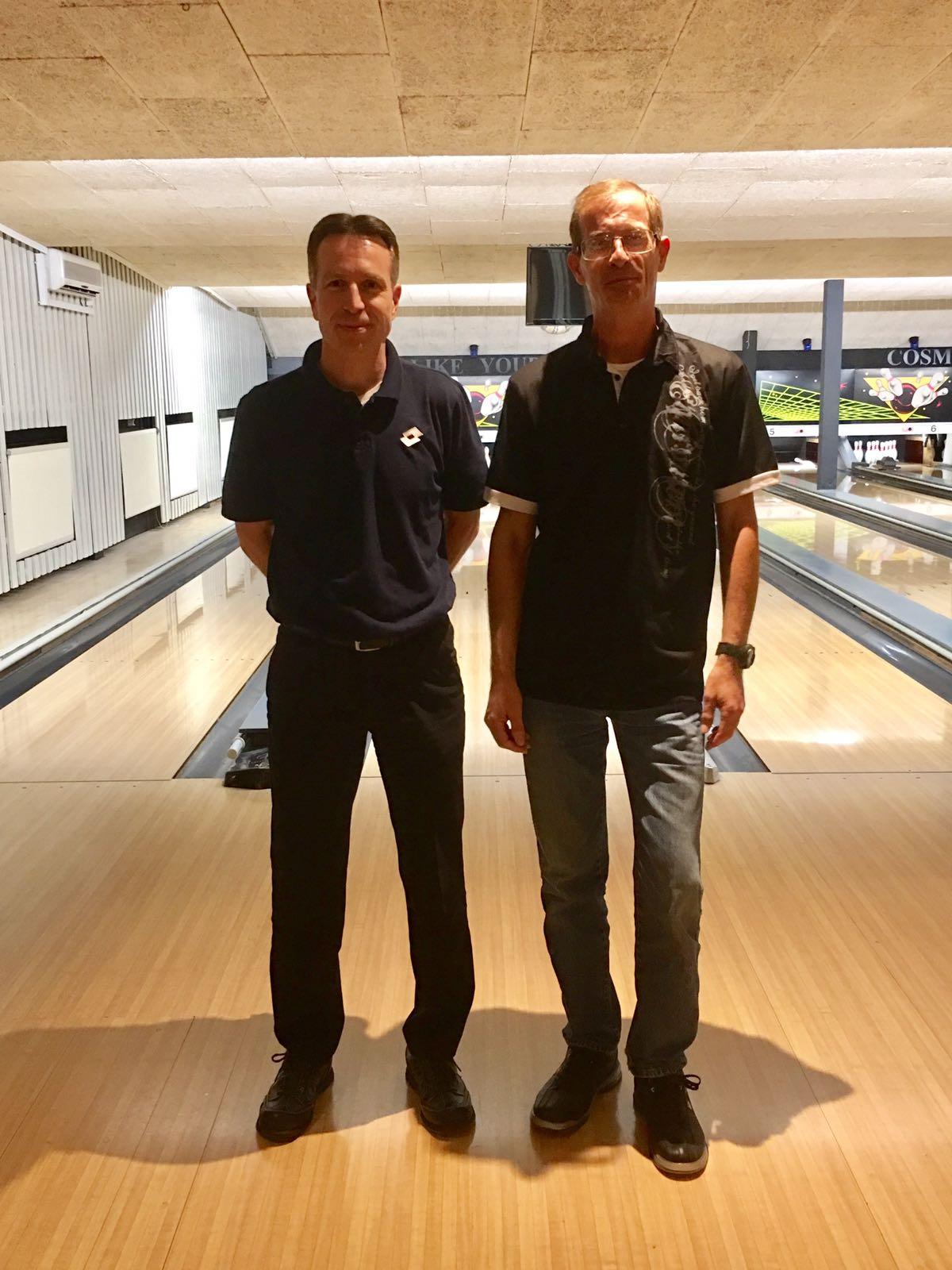 http://www.bowlingverenigingheiloo.nl/wall_of_fame/foto's/2018_0503-300Game E.J.Bodemann en M.Snelting.jpg